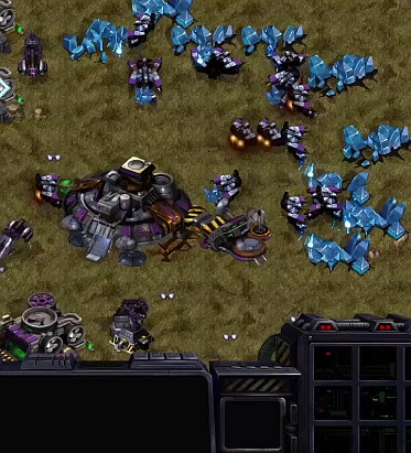 Starcraft remasterizado y gratis la version original.